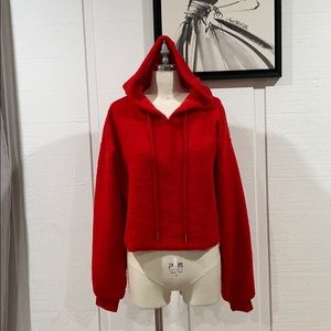 Teddy red cropped hooded sweater from Caruso